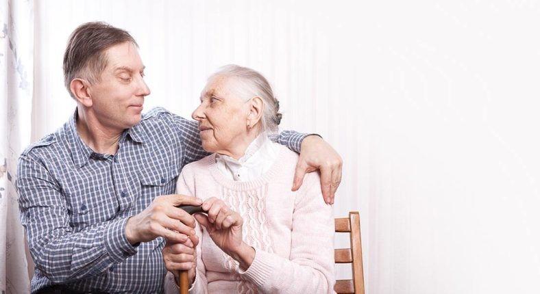 تغذیه سالمندان پوشکی باید چطور باشد؟